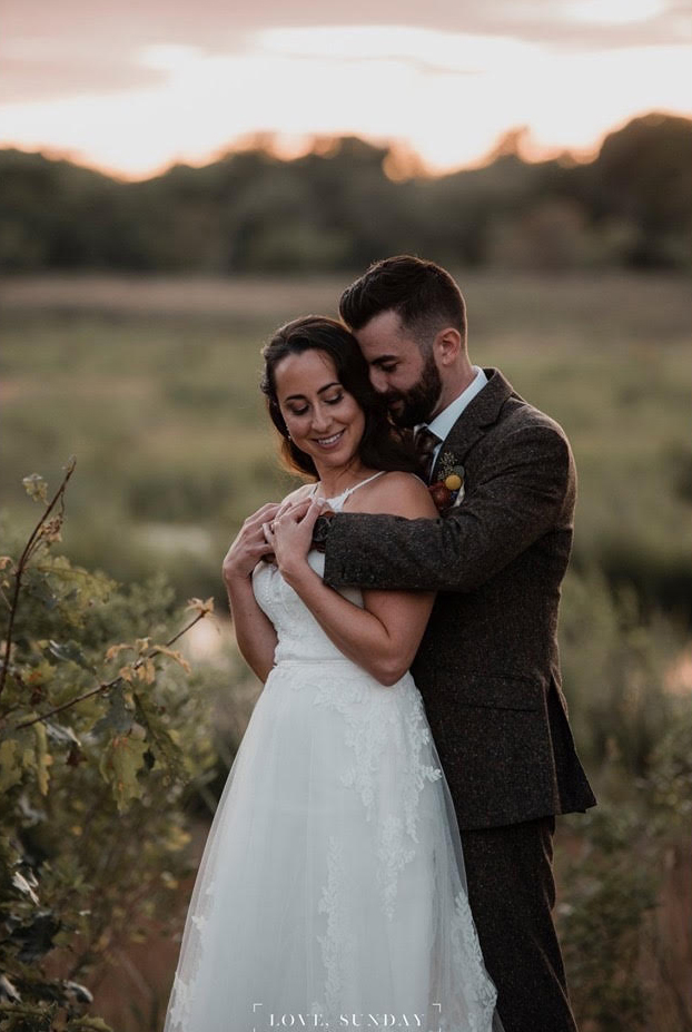 Lynda Williams Beauty bride and groom at sunset